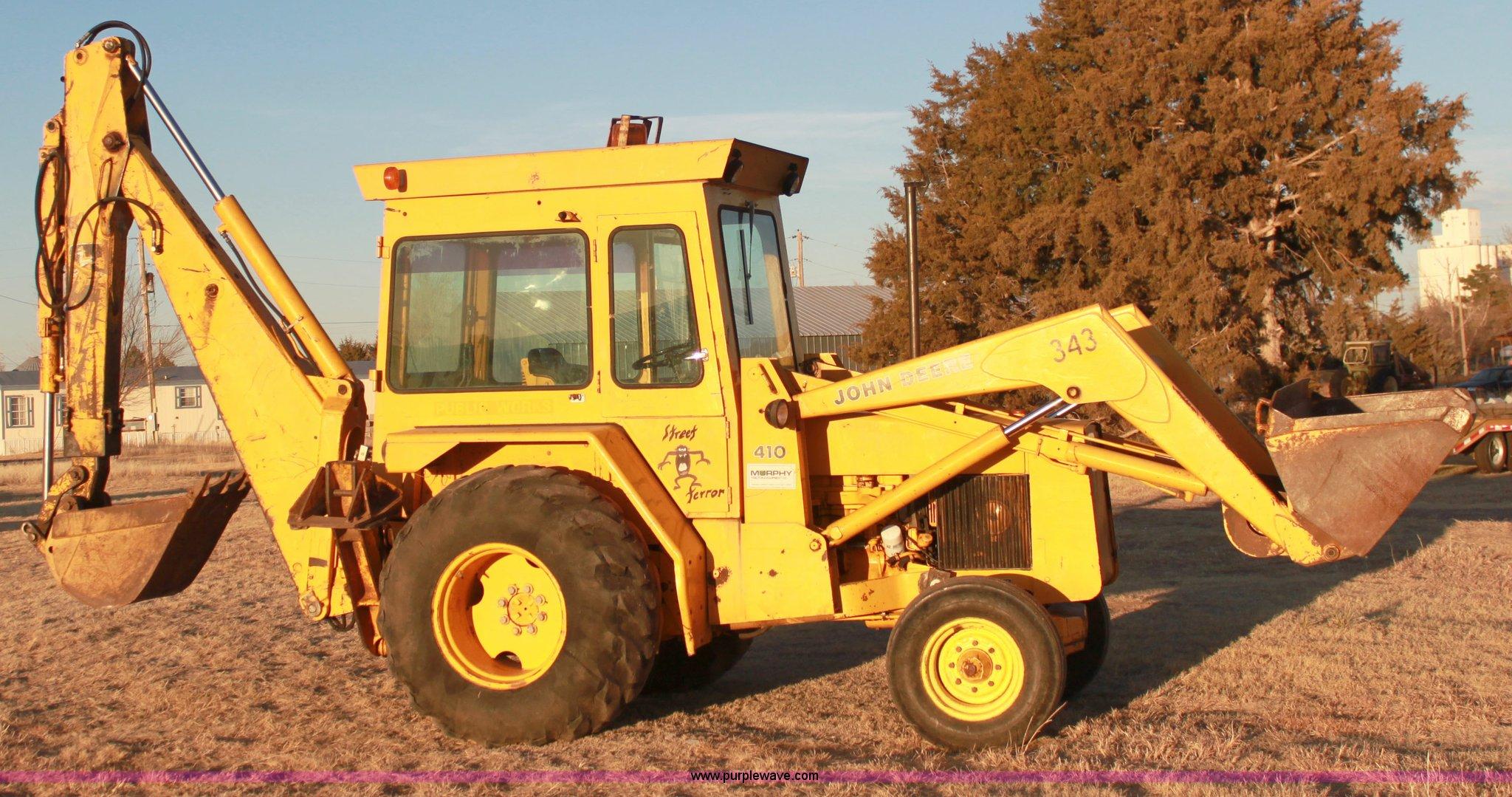 1658 image for item 1658 1984 John Deere 410-D backhoe