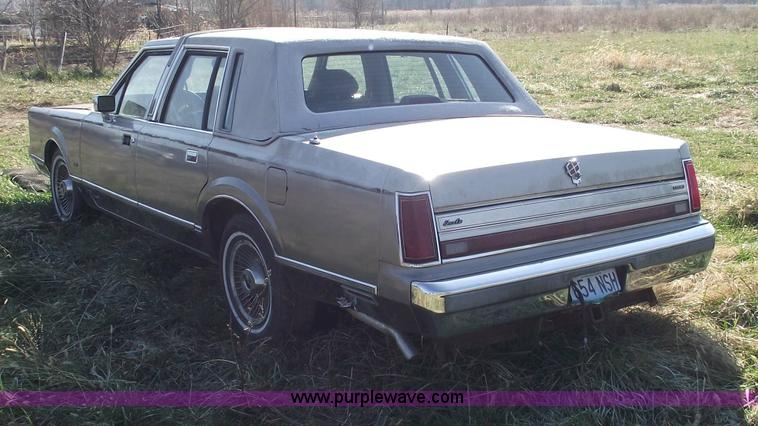 1988 Lincoln Town Car Cartier Item 5599 Sold December 2