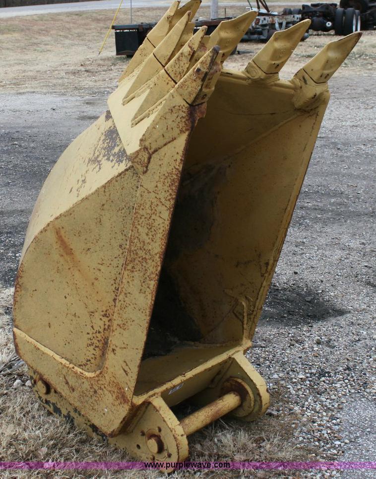 ADCO excavator rock bucket | Item 6778 | SOLD! January 13 Co...