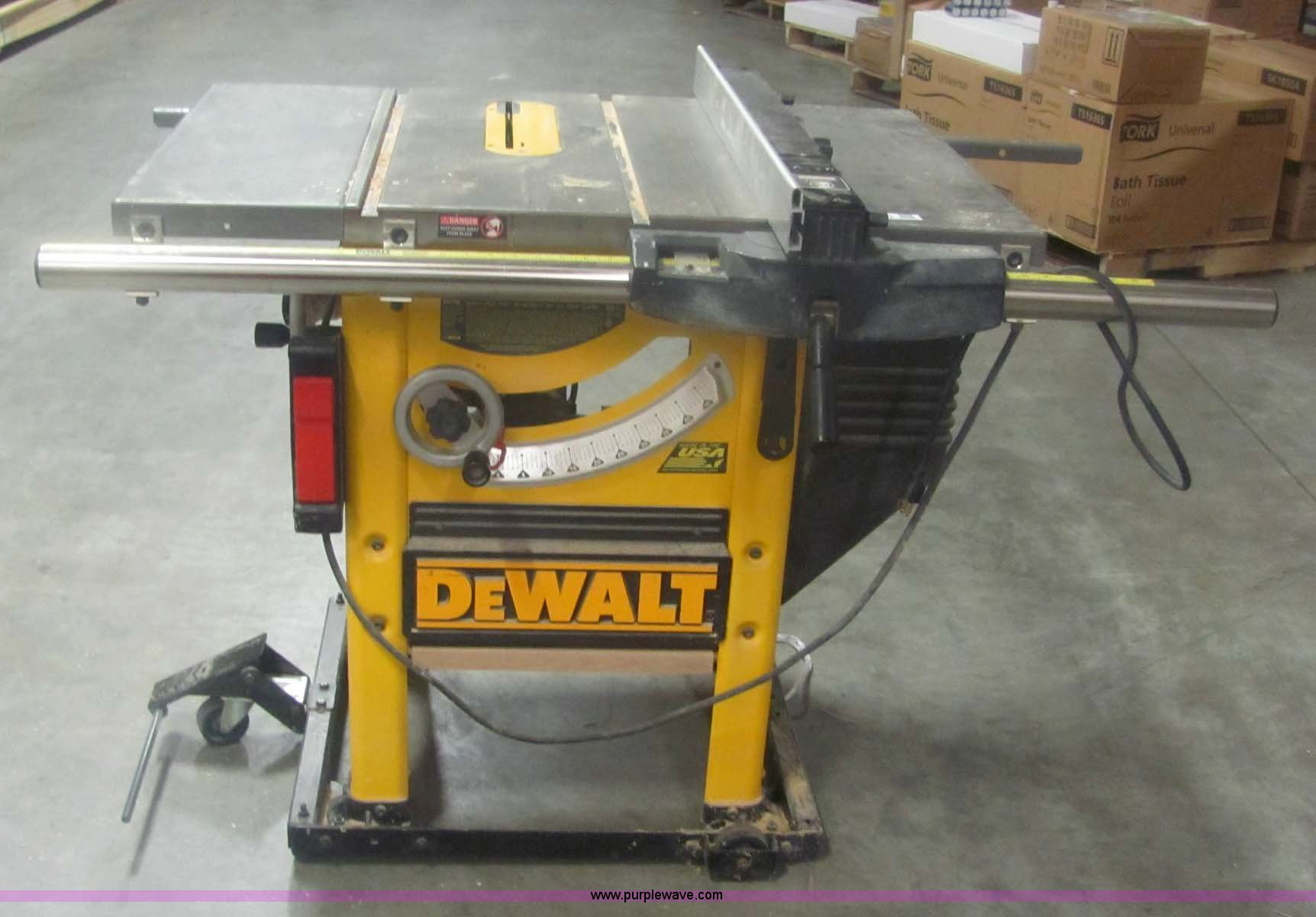 Dewalt Dw746 10 Table Saw Item 6101 Sold January
