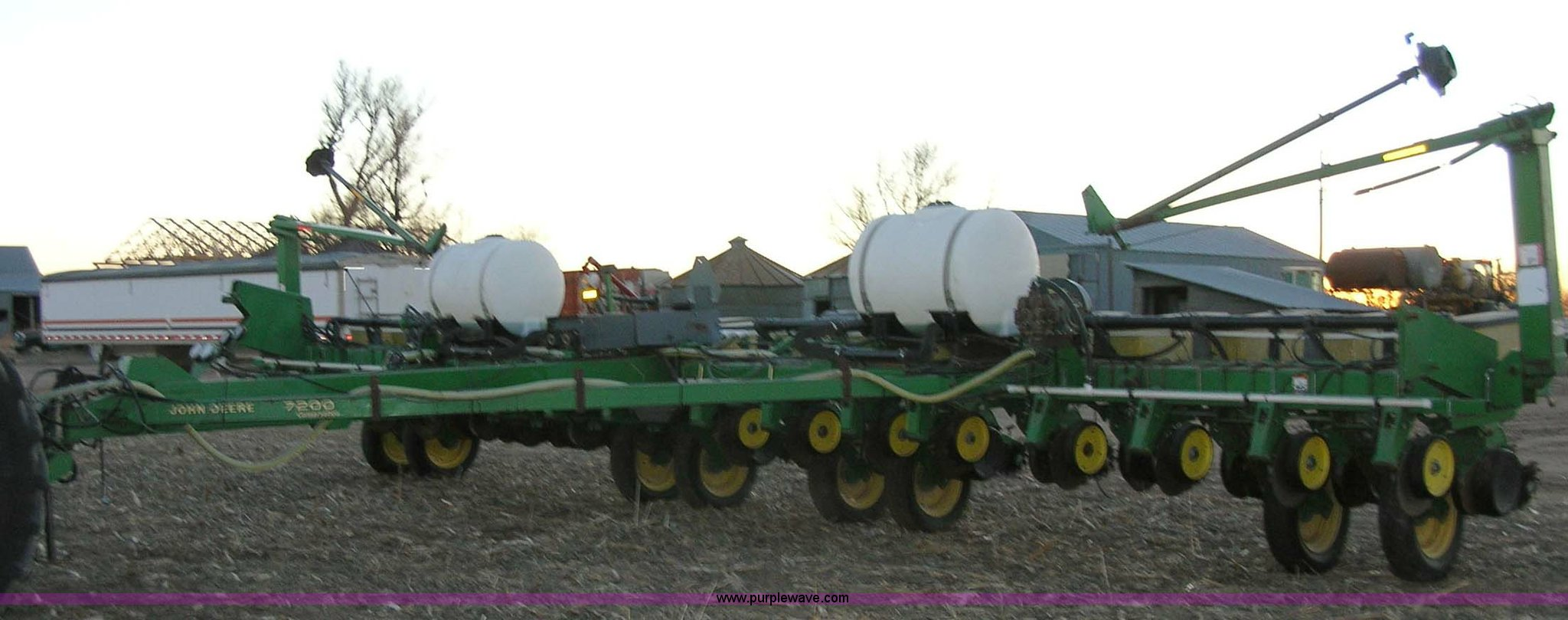 John Deere 7200 16 Row Planter Item 1006 Sold January 2