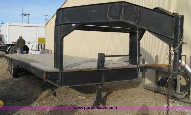 2007 Shop built triple axle goose neck flatbed trailer   Ite
