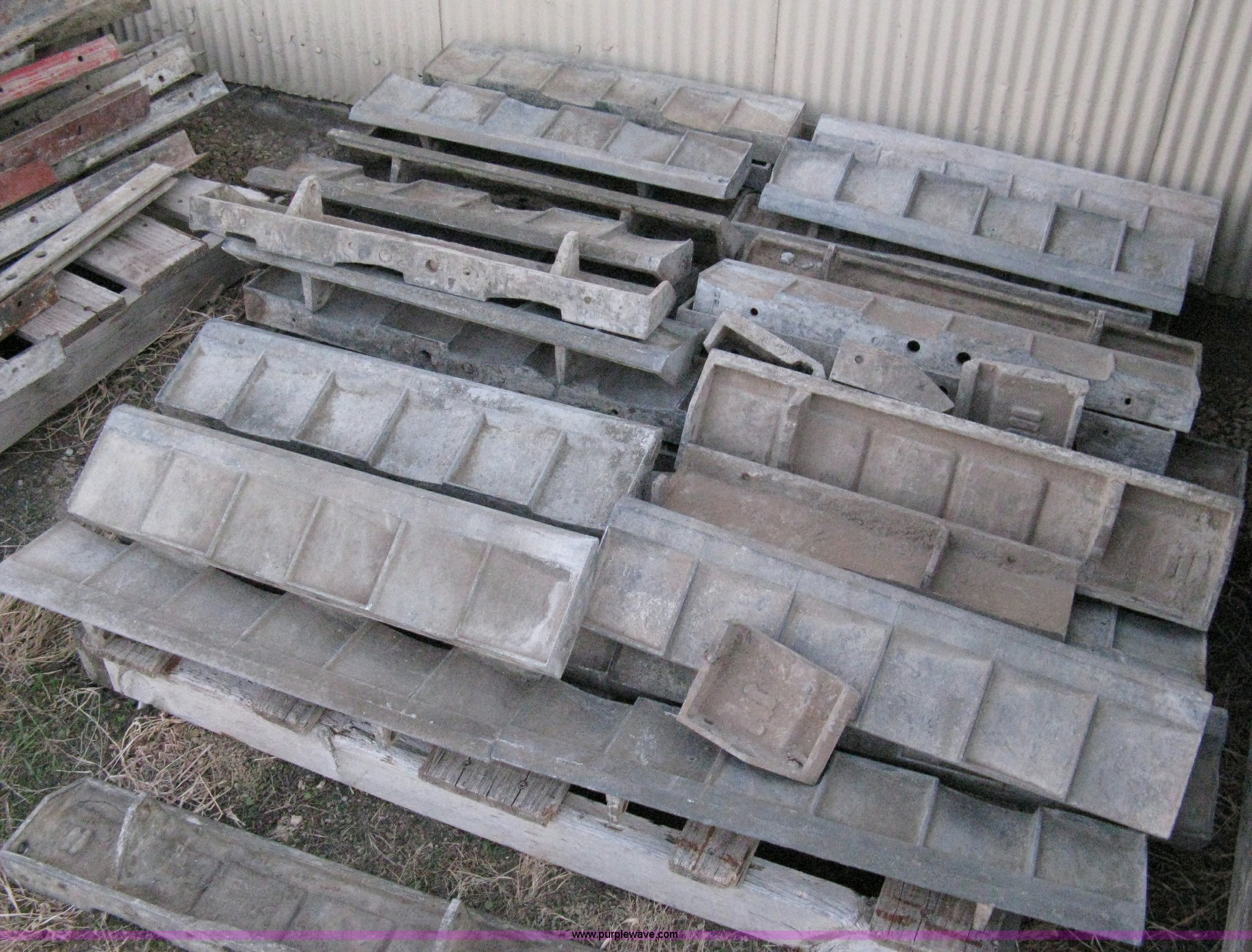Precast Concrete Forms For Sale: Con-tech Cast Aluminum Concrete Forms