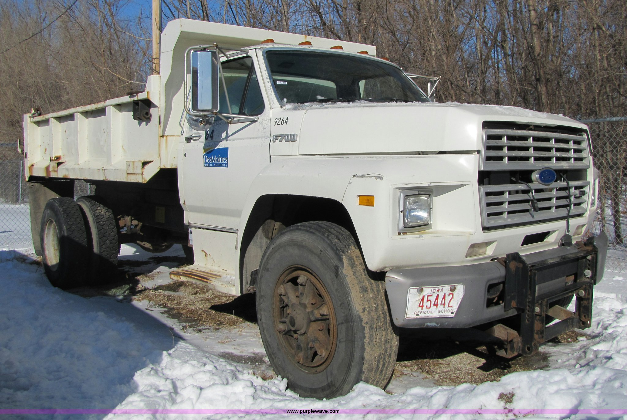 5352 image for item 5352 1992 Ford F700 ...