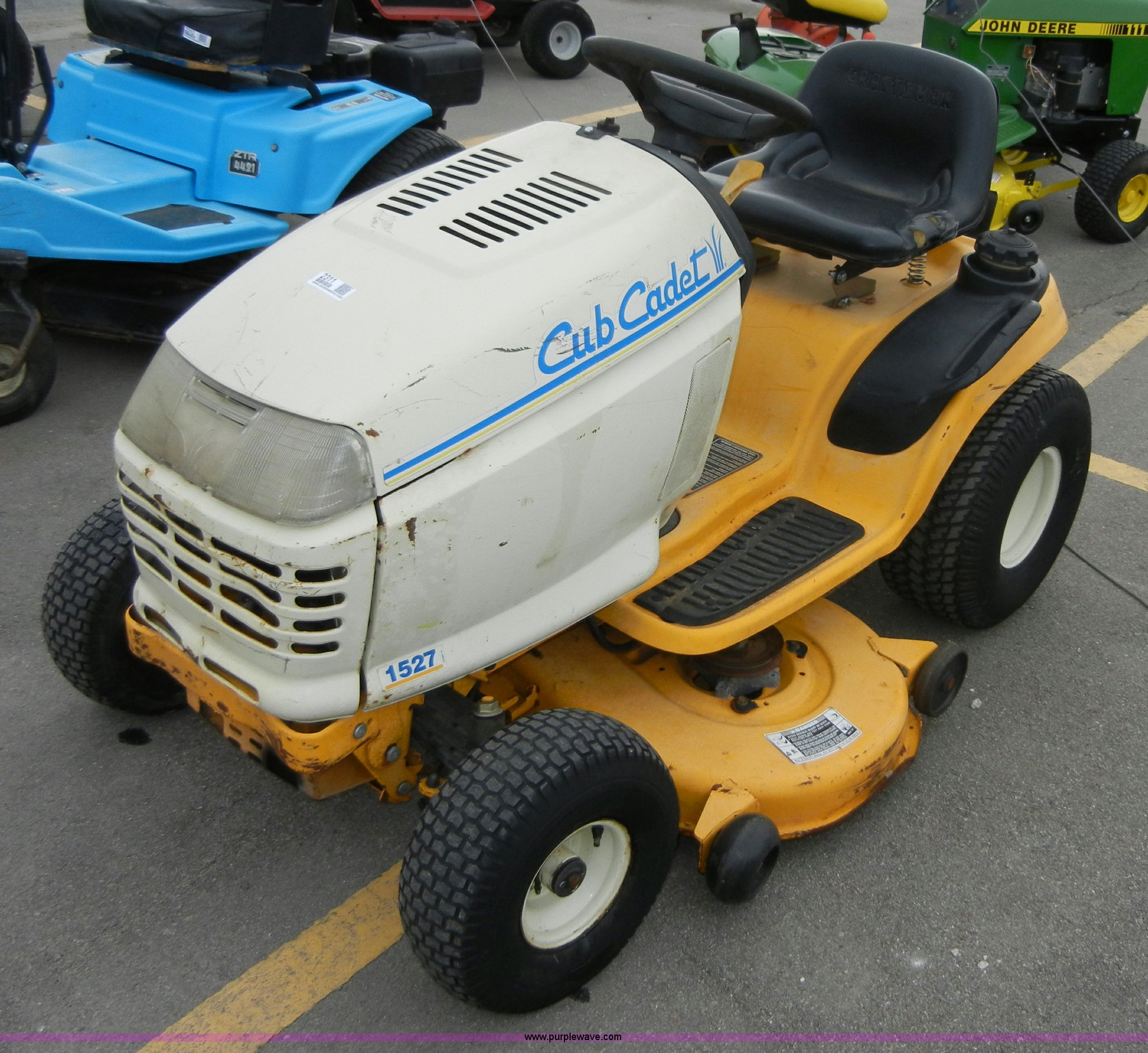 cub cadet 1527 lawn tractor full size in new window