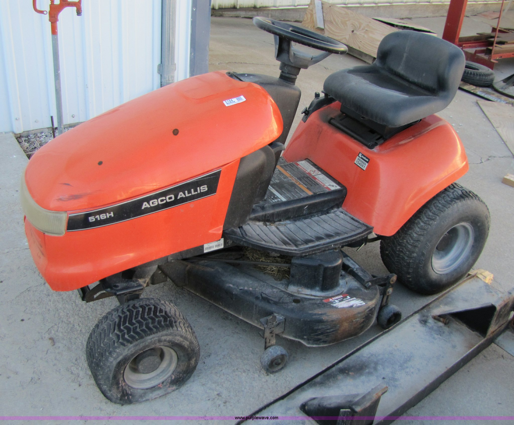 Agco Allis 516h Riding Lawn Mower In Wamego Ks Item 5184 Sold Purple Wave
