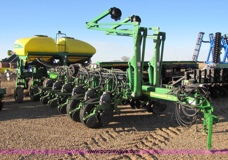 2005 John Deere 1770 Planter Item 3480 Sold Southwester