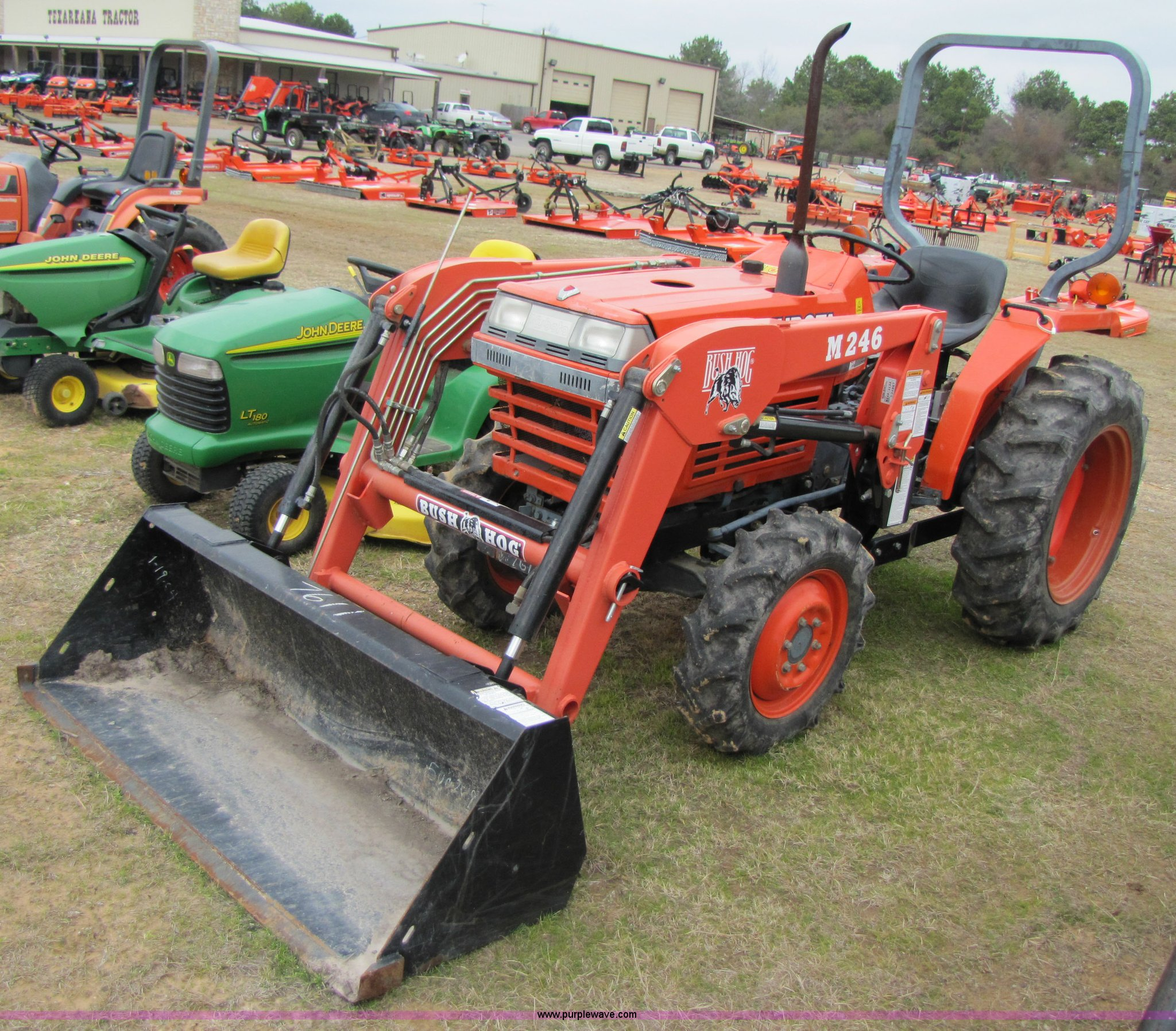 3446 image for item 3446 1995 Kubota L2350 tractor with loader
