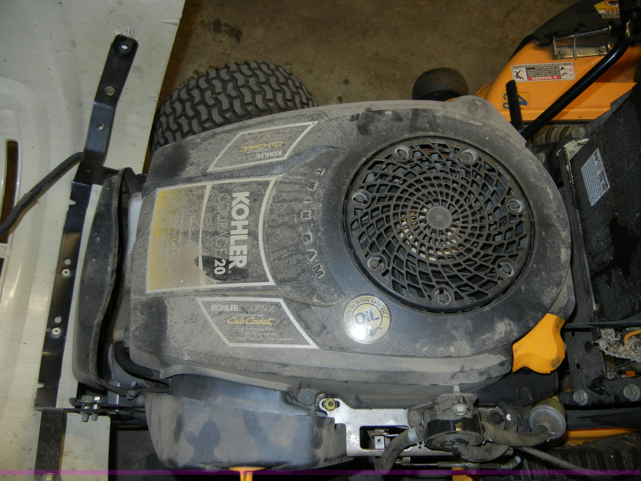 Cub Cadet LT1045 riding mower | Item 2444 | SOLD! KDOR/KHP S
