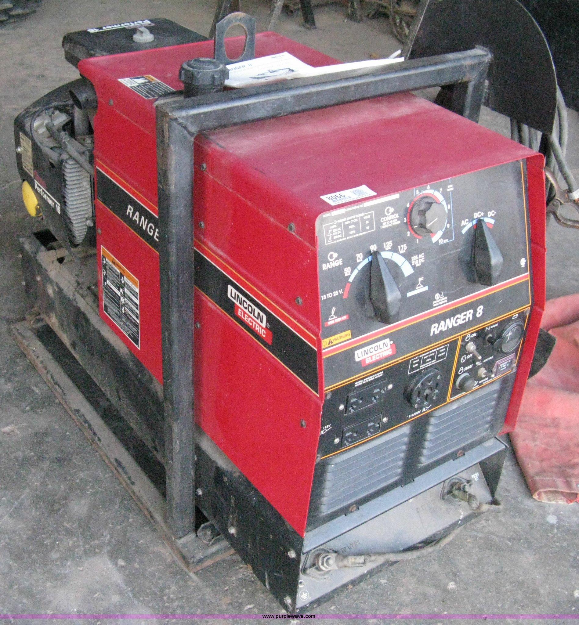 Lincoln Ranger 8 welder with Onan Performer 16 gas engine |