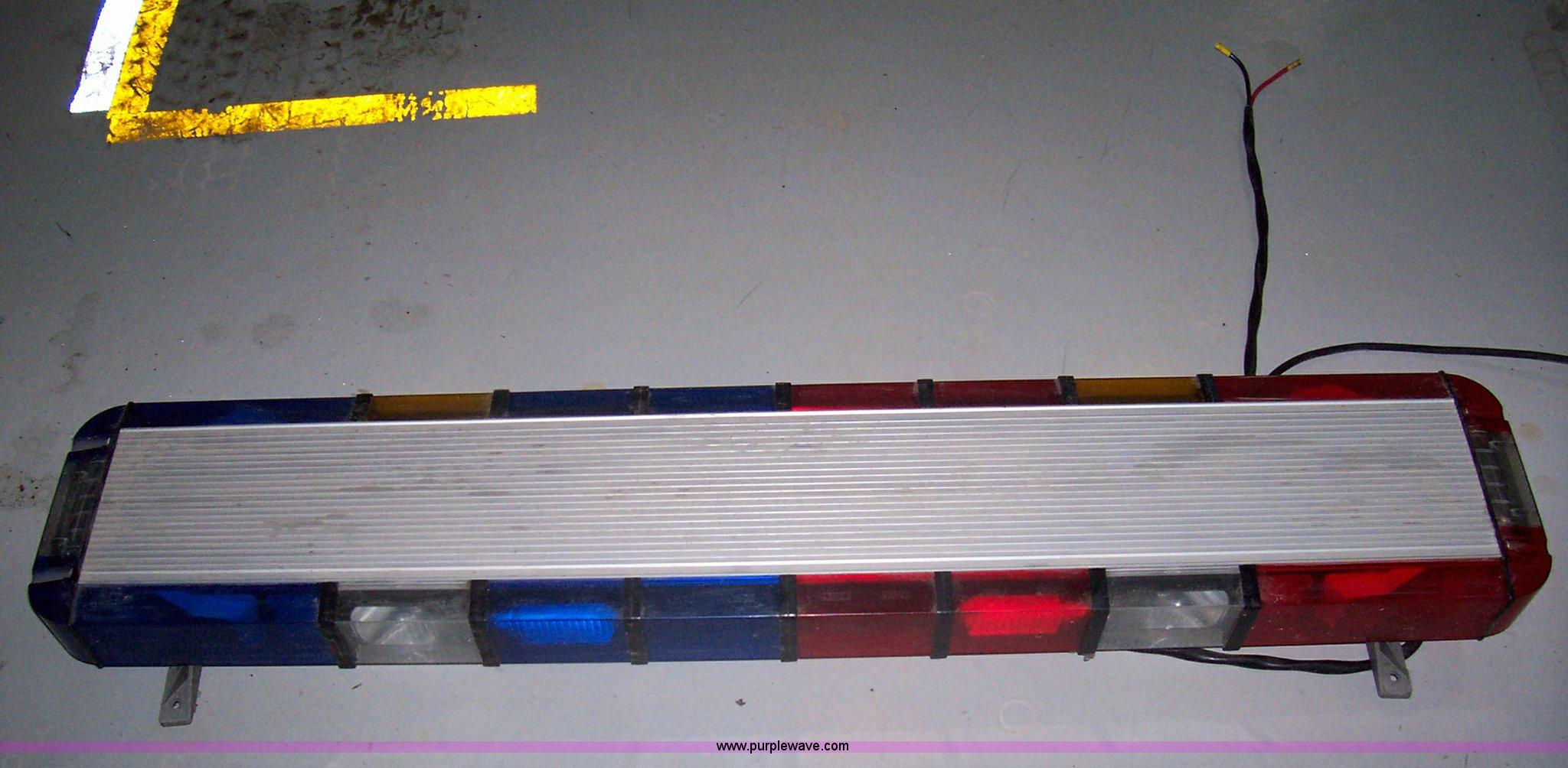 Whelen 9m strobe light bar item 8687 sold april 12 gove 8687 image for item 8687 whelen 9m strobe light bar mozeypictures Gallery