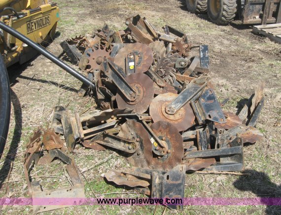 Approx 20 24 Martin Industries No Till Planter Seed Opener C