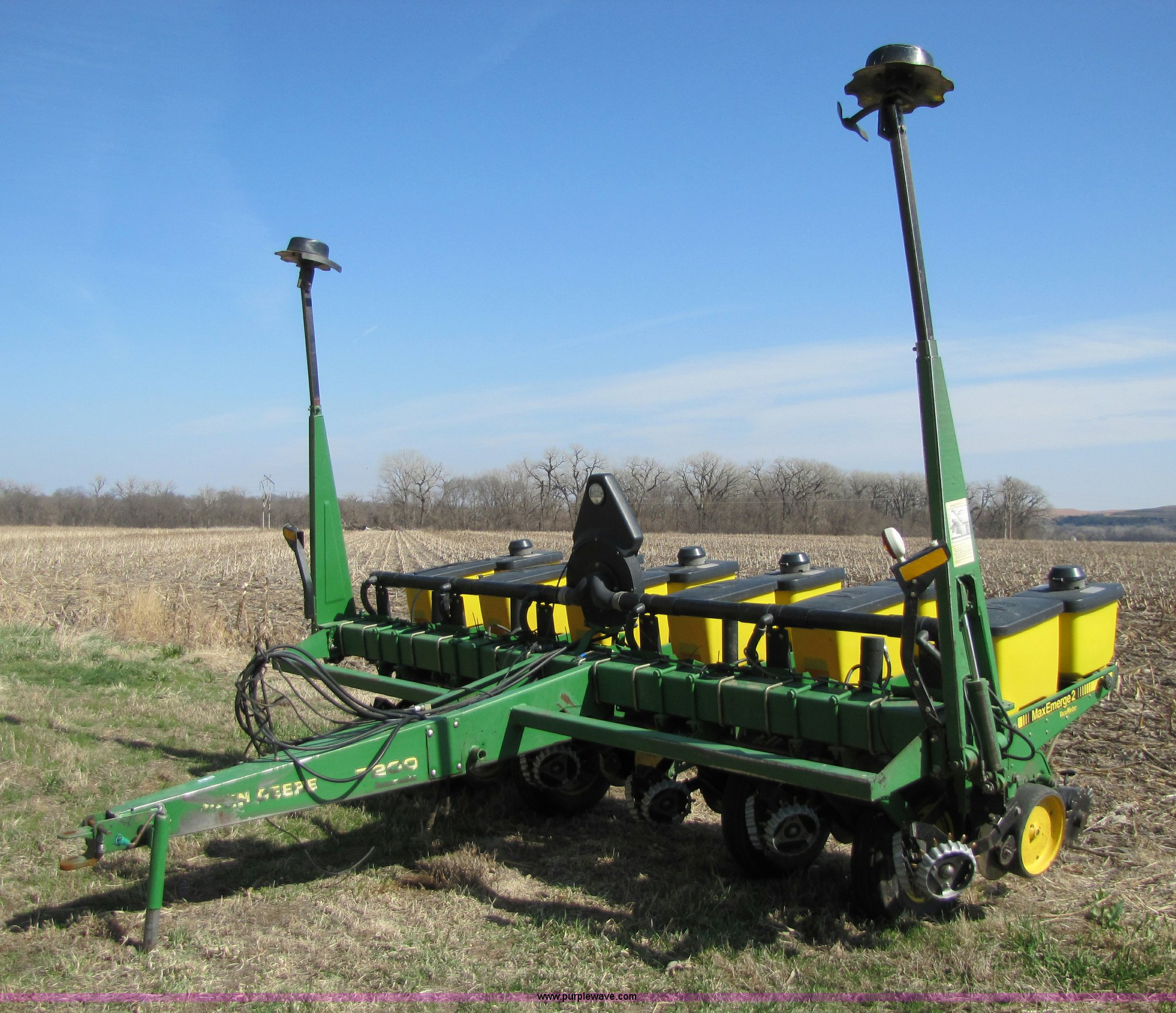 John Deere 7200 Six Row Planter Item 8745 Sold April 13