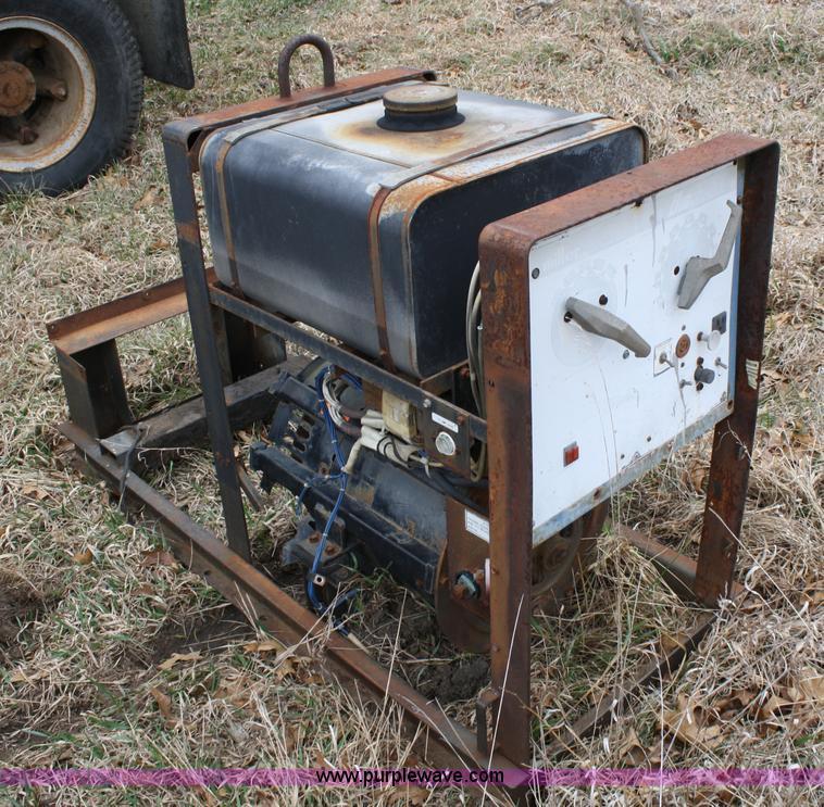 Miller Big 40 welder   Item 4809   SOLD! April 14 Constructi