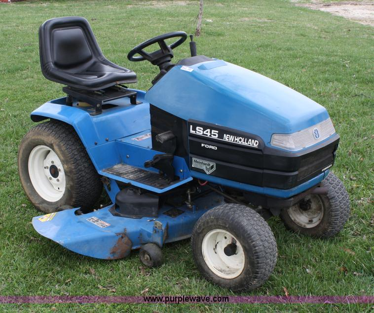 ford new holland ls45 lawn mower item 4673 sold april 2 rh purplewave com ford ls45 lawn tractor manual Ford Ls35 Lawn Tractor