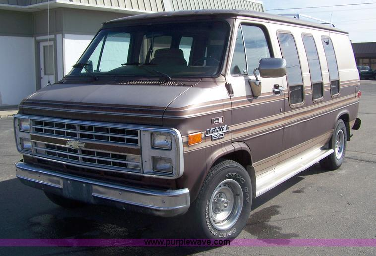 7309 Image For Item 1989 Chevrolet G20 Mark III Conversion Van