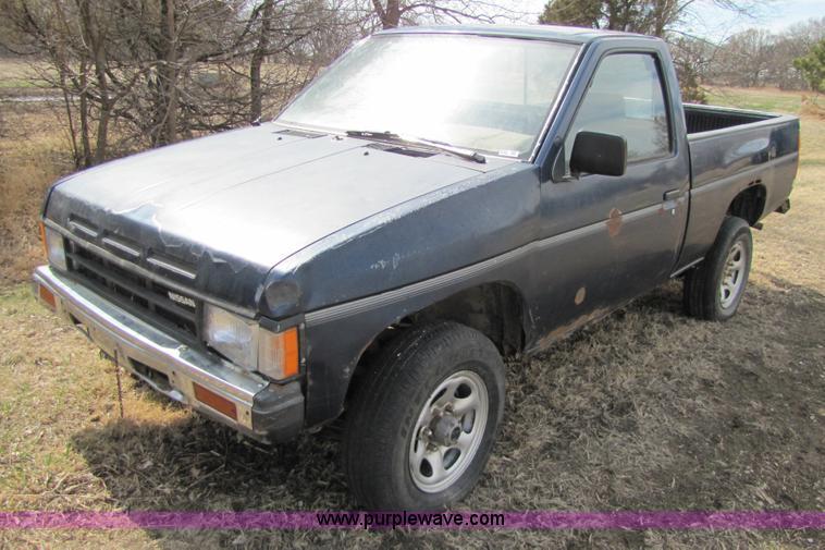 1989 Nissan D21 pickup truck   Item 8543   SOLD! April 20 Mi...
