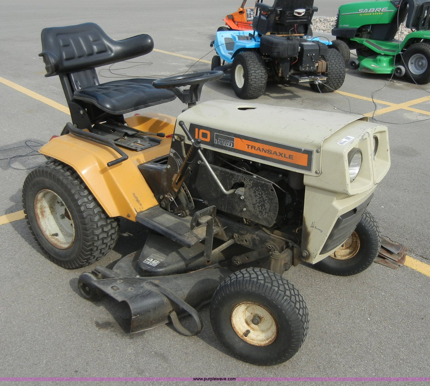 2271 image for item 2271 Montgomery Ward lawn tractor