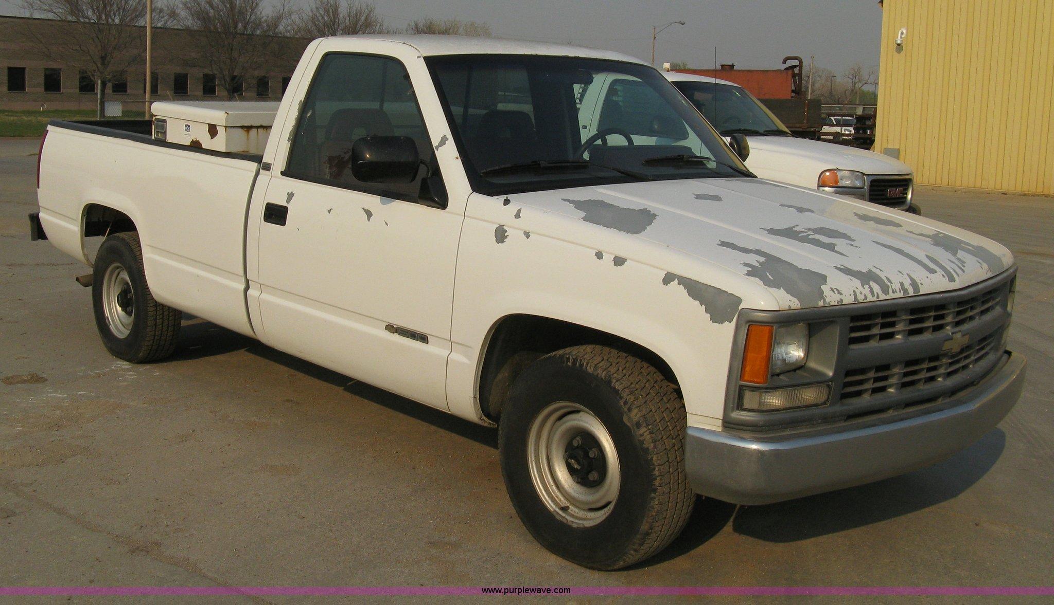 8102 image for item 8102 1994 Chevrolet C1500 Cheyenne ...