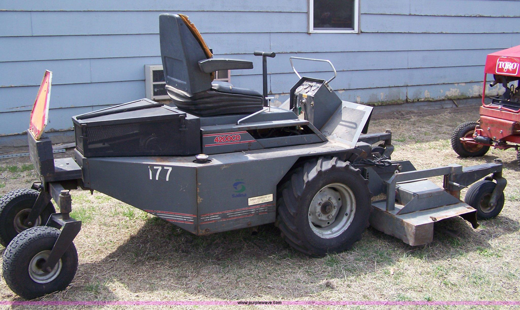 grazer g4200cd zero turn mower item 7474 sold may 18 mi rh purplewave com Grazer Mower 52 Grazer Zero Turn Mower Parts