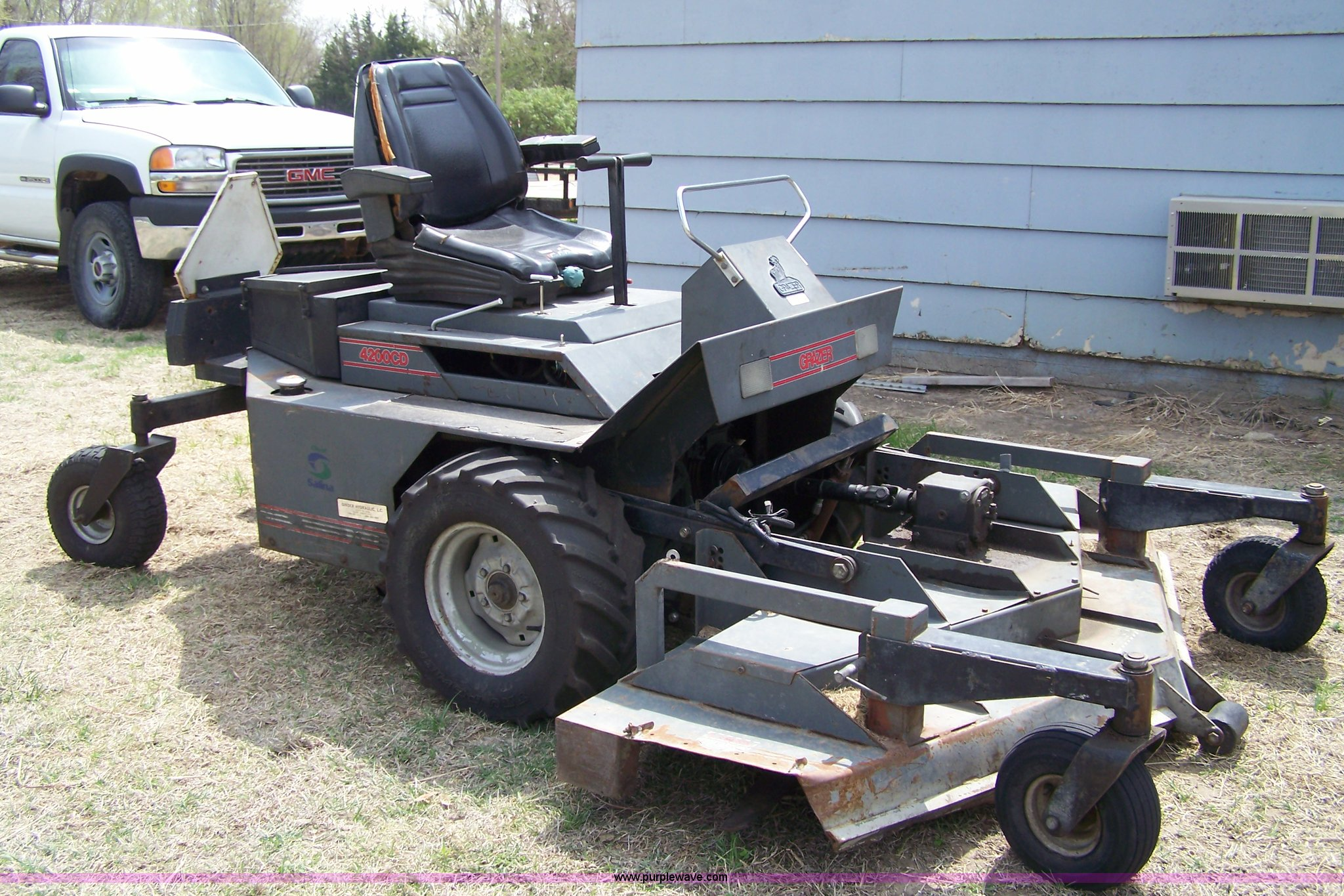 Grazer G4200cd Zero Turn Mower Item 7474 Sold May 18