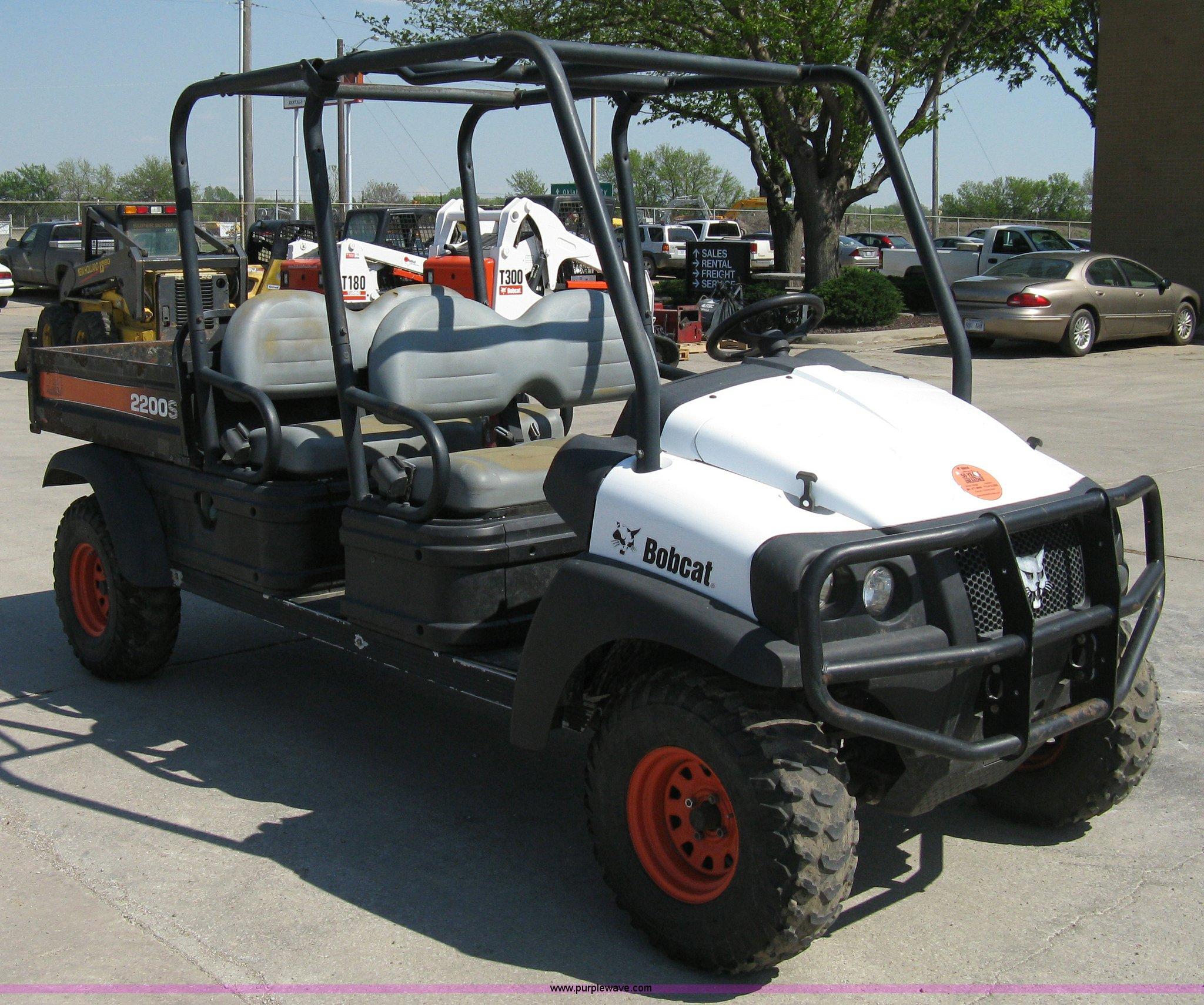2006 Bobcat 2200S utility vehicle Item 8202