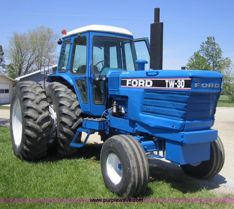 Ford 3000 Tractor Duals : Ford tw tractor item sold may ag