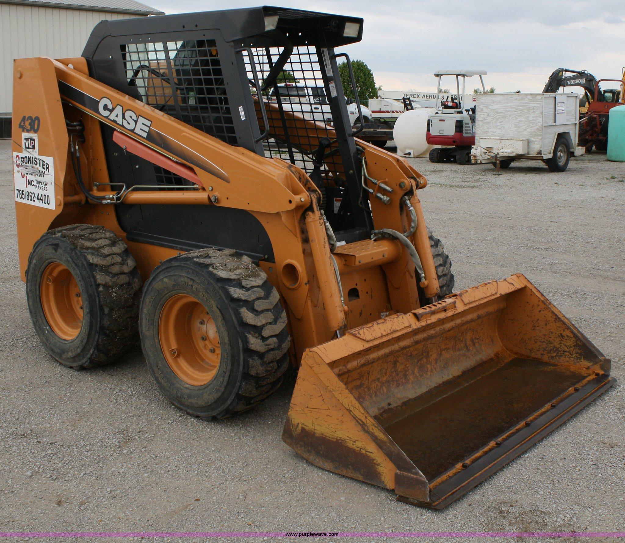 8709 image for item 8709 2005 Case 430 skid steer