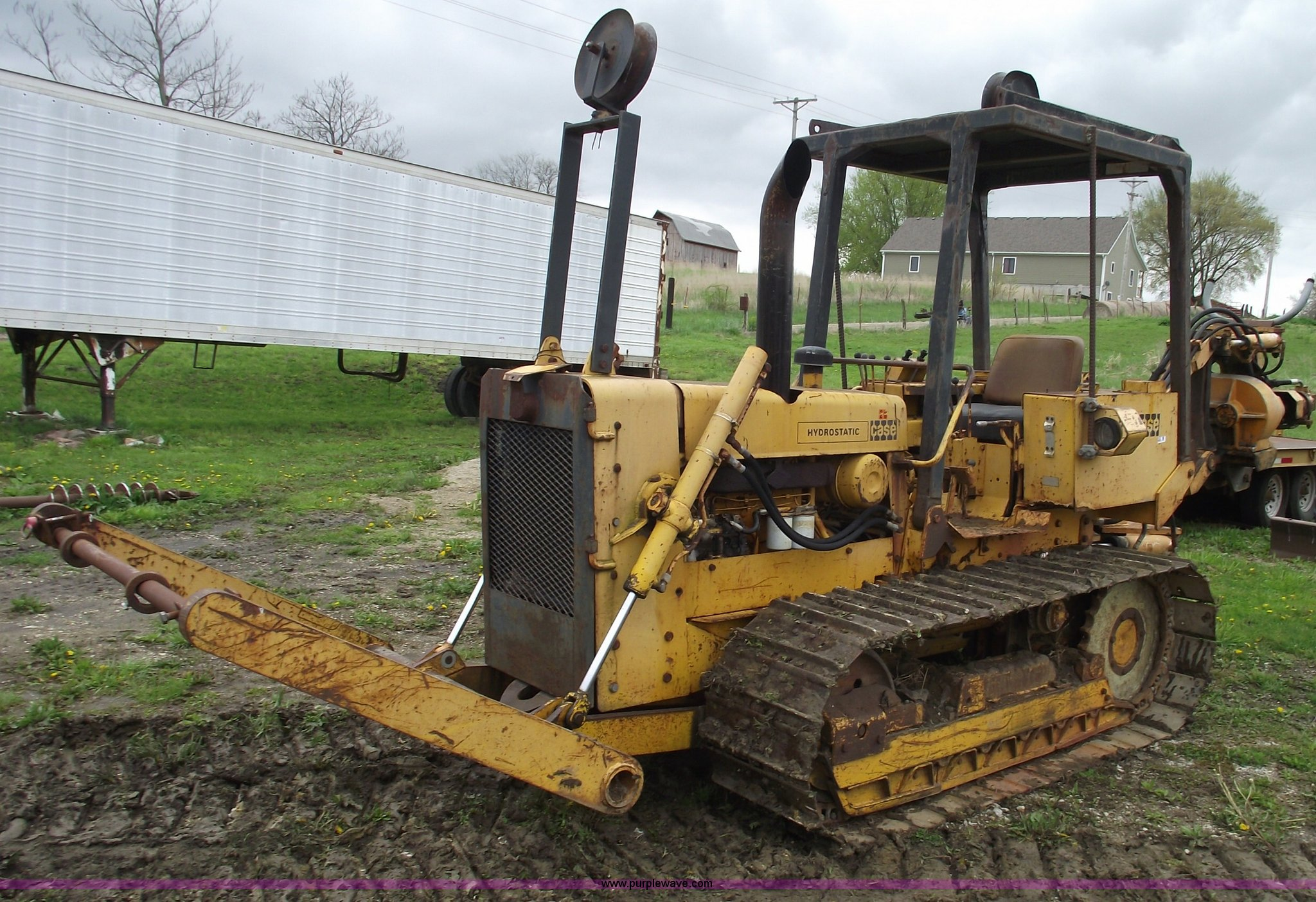 1975 Case 475 cable plow | Item 5435 | SOLD! May 26 Construc