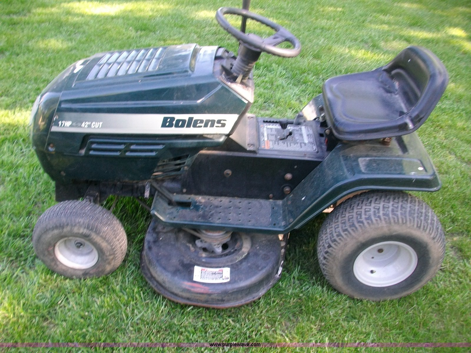 Bolens riding mower | Item 1011 | SOLD! June 1 Midwest Inter