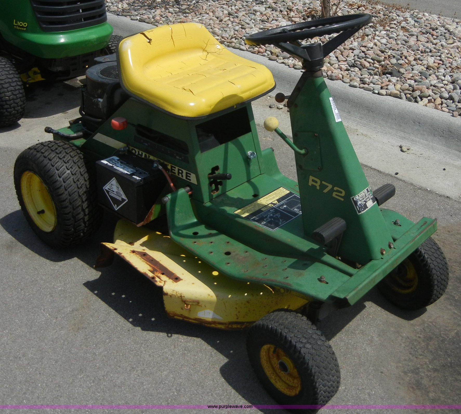 john deere r72 riding mower item 2231 sold june 1 midwe rh purplewave com John Deere R72 Parts Diagram John Deere R72 Mower Diagram