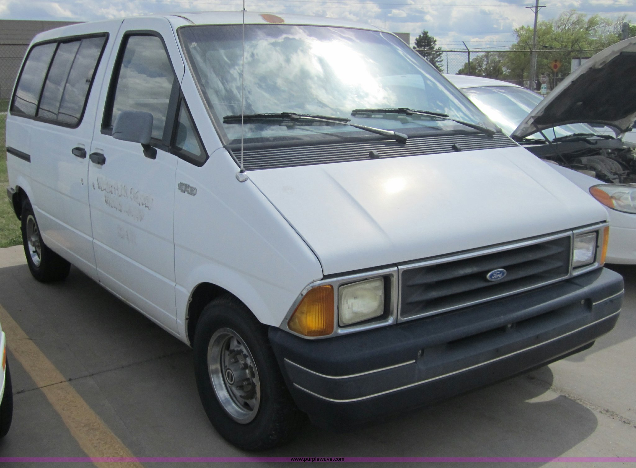 1991 ford aerostar van full size in new window