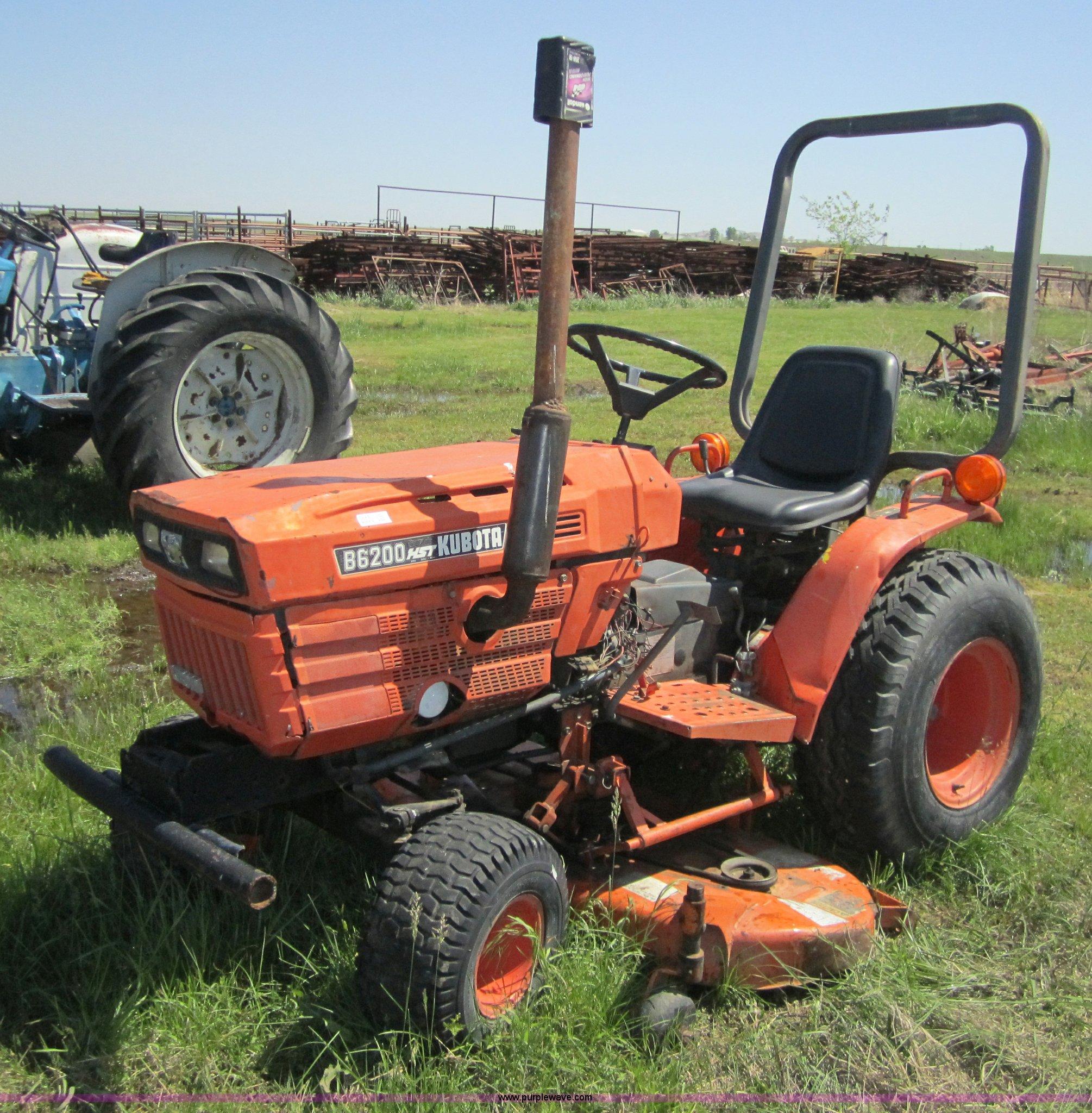 Kubota Lawn Tractor >> Kubota B6200 Hst Lawn Tractor Item 3688 Sold June 8 Okl