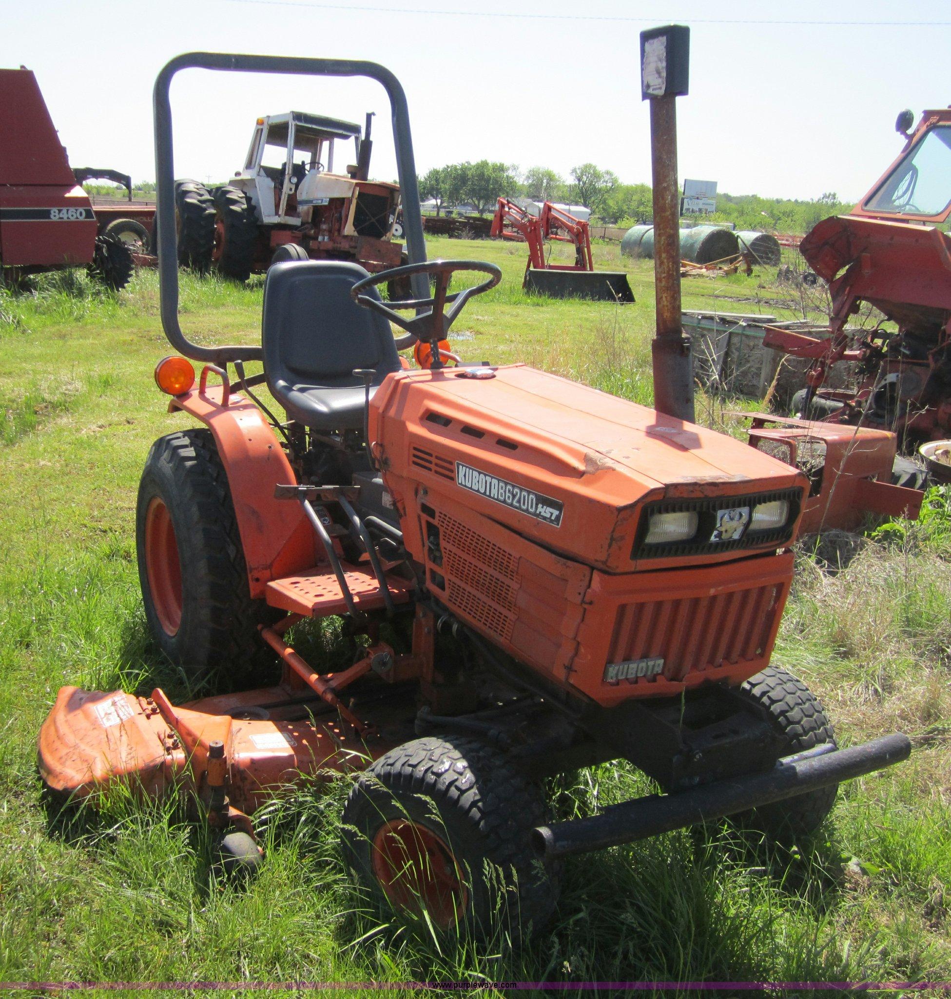 Kubota B6200 Hst Lawn Tractor Item 3688 6 8 2011