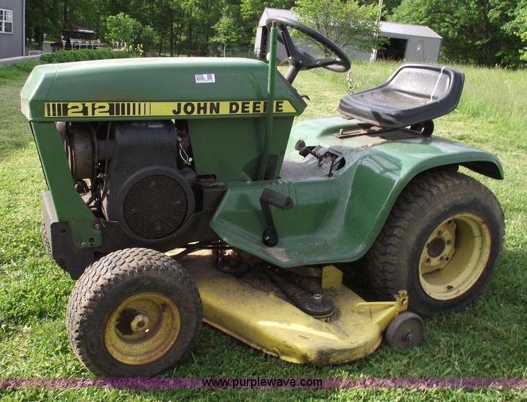 John Deere 212 Lawn Mower Item 5556 SOLD Wednesday June