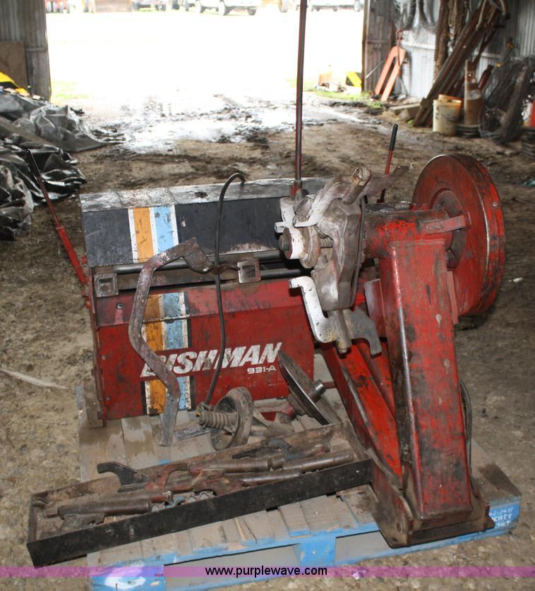Bishman 931 A Truck Tire Machine Item 4657 SOLD June 28