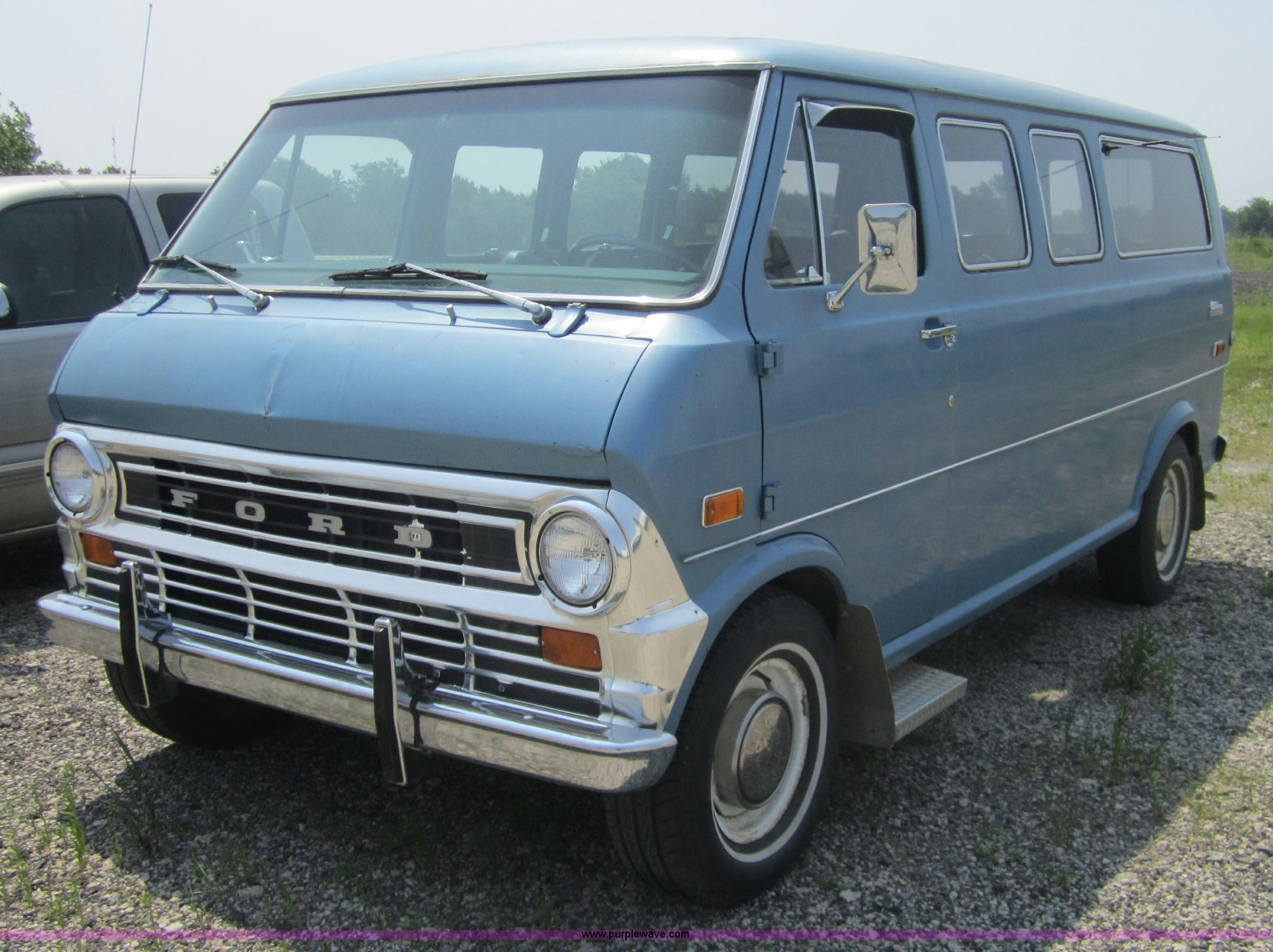 1974 Ford Chateau E200 club wagon van | Item 3794 | SOLD! Ju