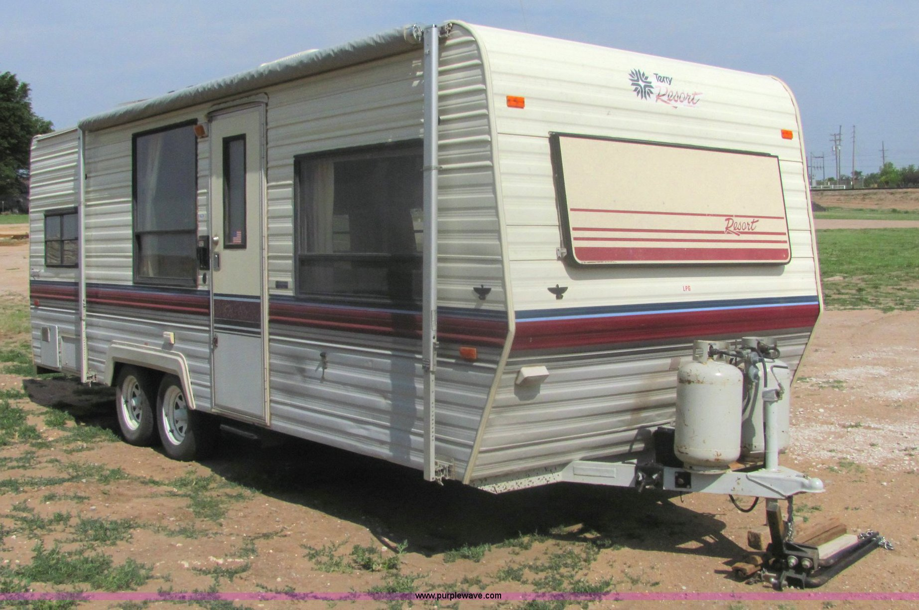 6972 image for item 6972 1989 Fleetwood Terry Resort 24' pull camper