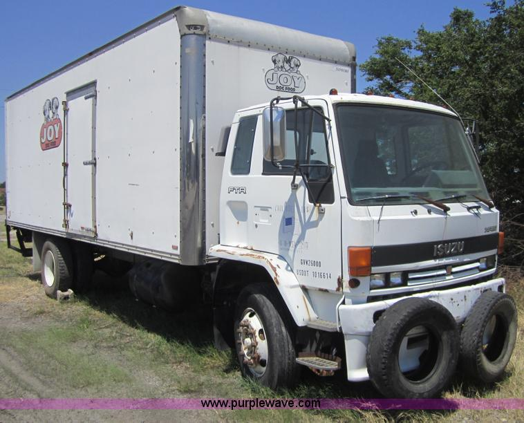 1989 Isuzu FTR box truck | Item A4796 | SOLD! July 13 Midwes