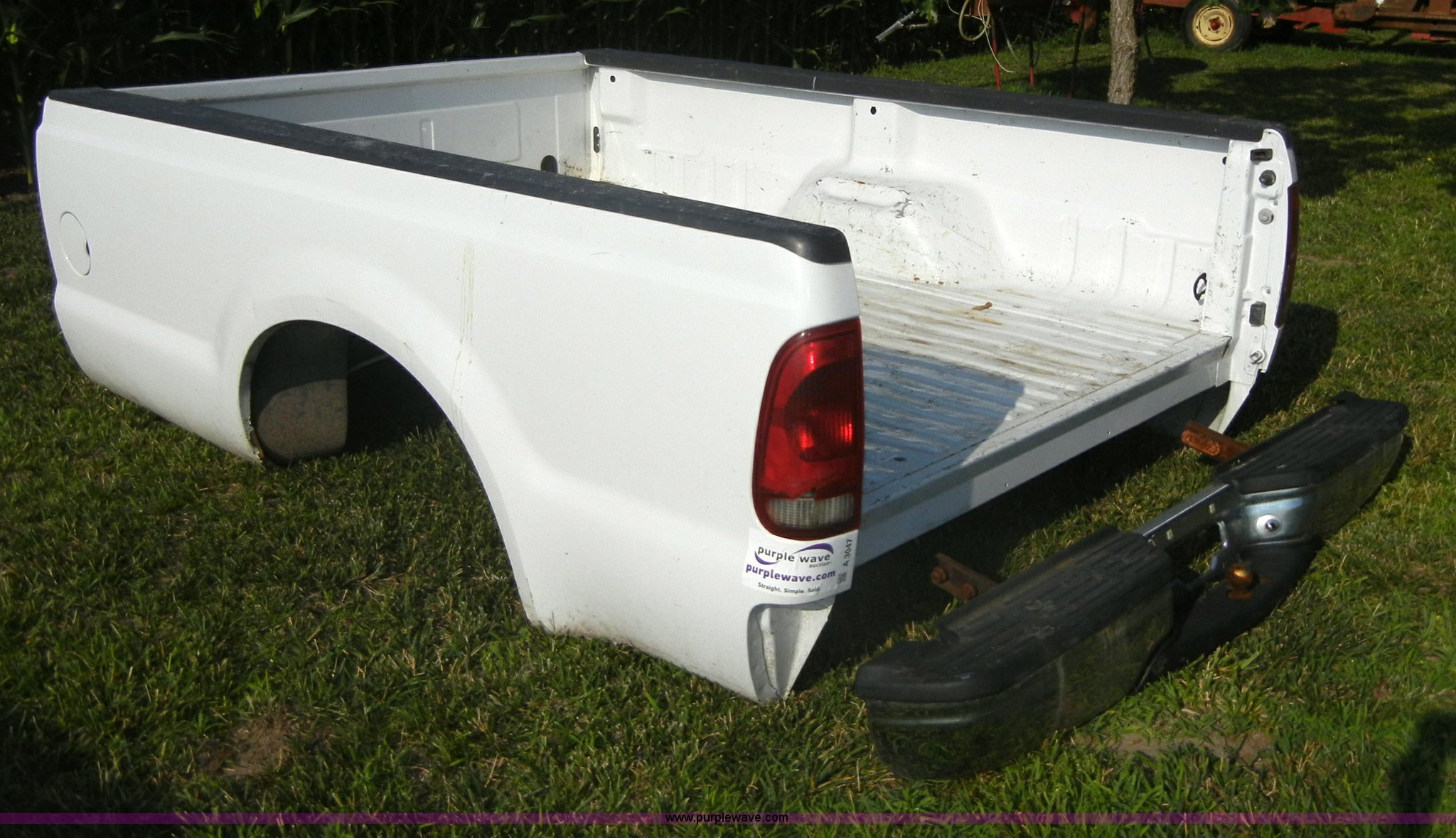 2000 Ford Super Duty Pickup Truck Bed With Bumper Item A30