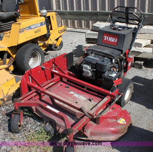 B9777 image for item B9777 Toro Proline 30128 lawn mower