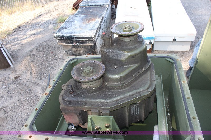 Kaiser military 6x6 transfer case | Item B9763 | SOLD! Augus