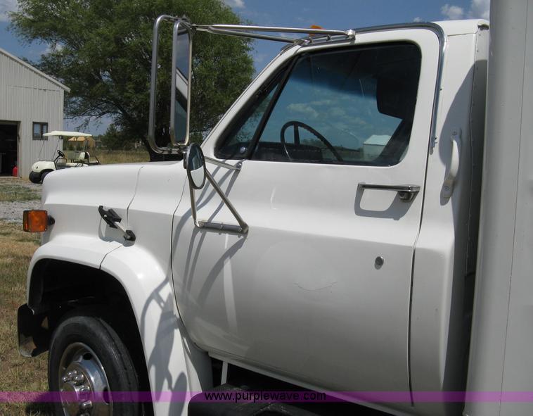 1989 GMC Sierra Classic truck   Item A4275   SOLD! Wednesday