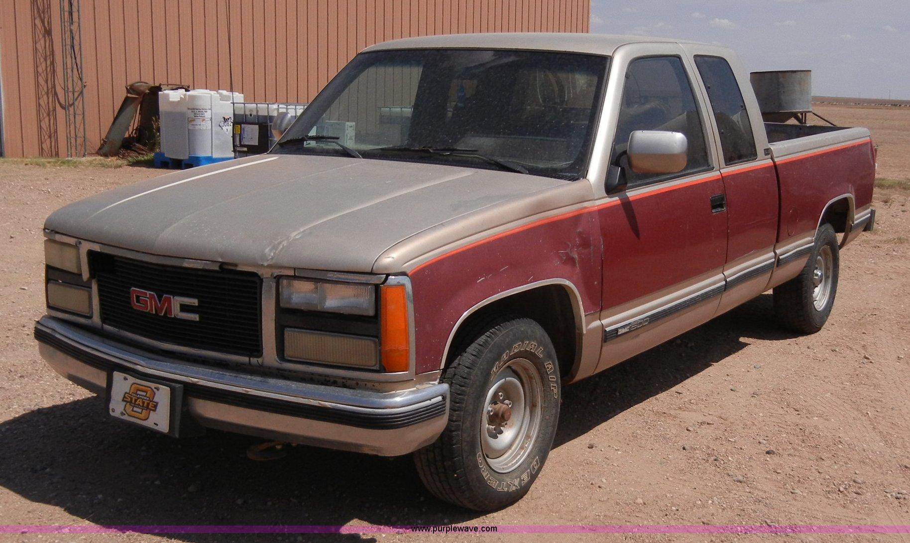 1992 gmc sierra 1500 extended cab pickup truck in hooker ok item a5398 sold purple wave 1992 gmc sierra 1500 extended cab