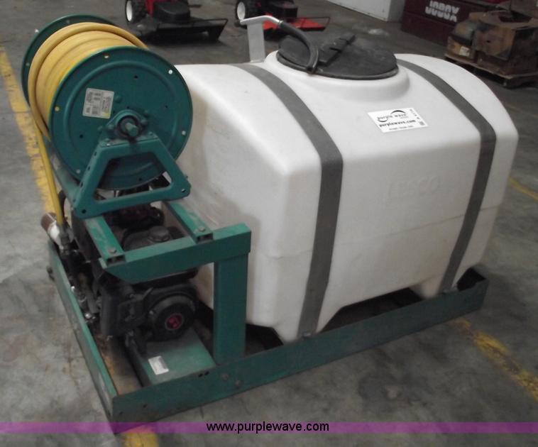 Lesco 200 gallon commercial spray tank   Item A4119   SOLD!