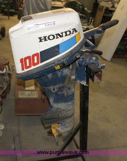 Honda 100 10 HP four-stroke outboard engine | Item B9919 | S...