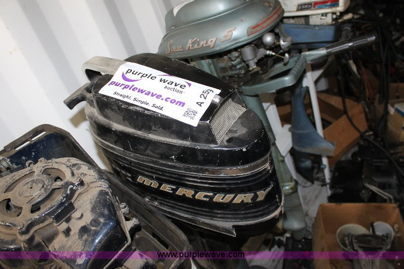 A2599 Image For Item A 8 Hp Sail Drive Outboard Engine