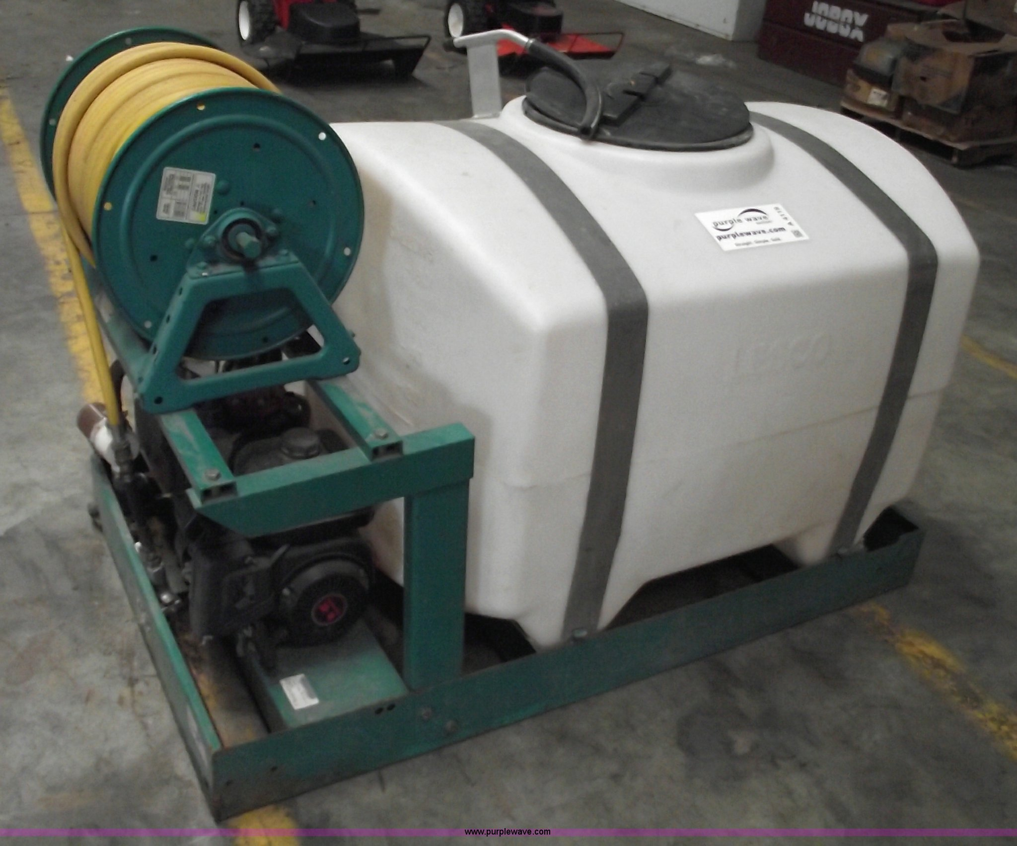 Lesco 200 gallon commercial spray tank | Item A4119 | SOLD!