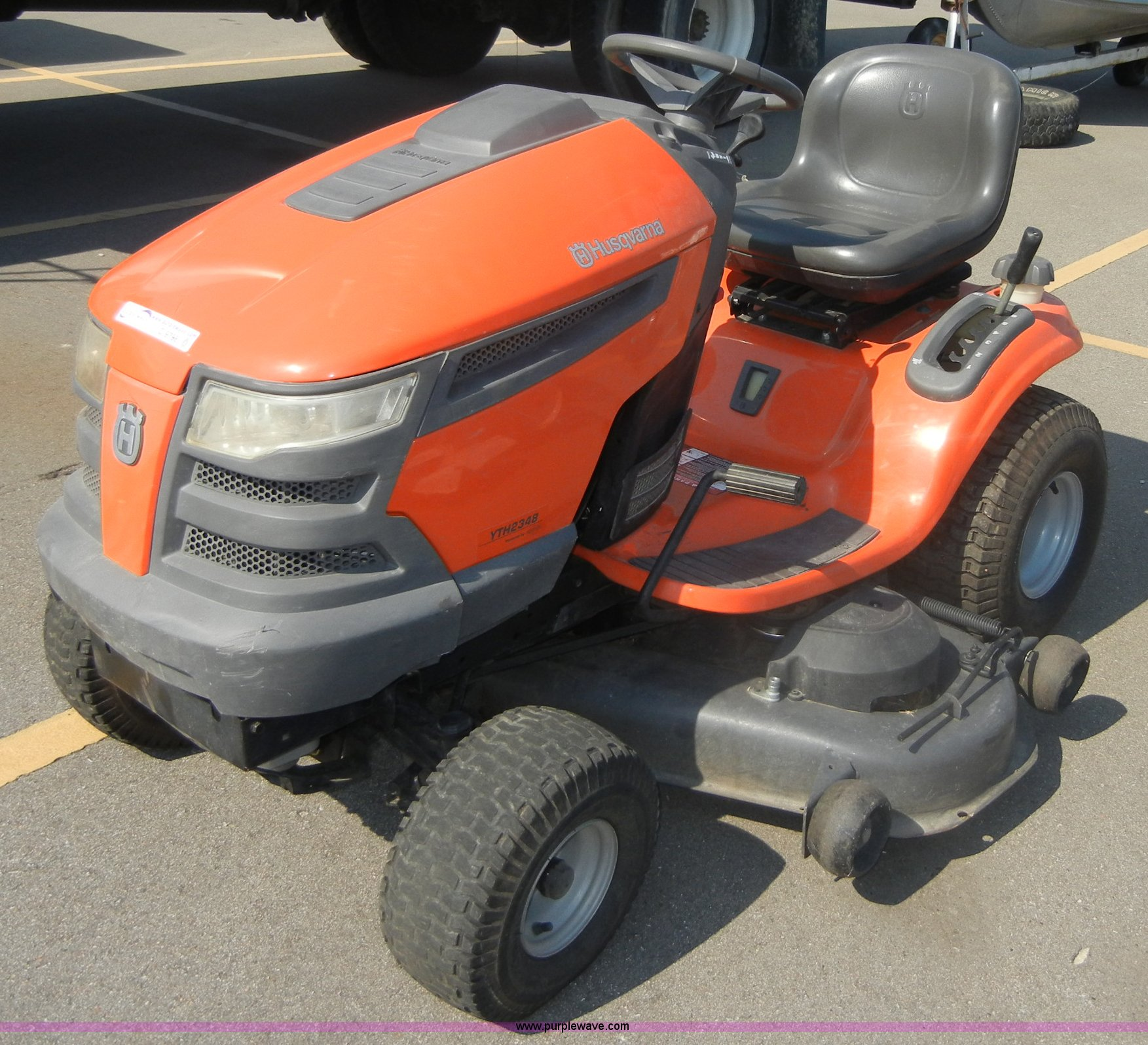 Husqvarna YTH2348 lawn tractor | Item D9798 | SOLD! Septembe