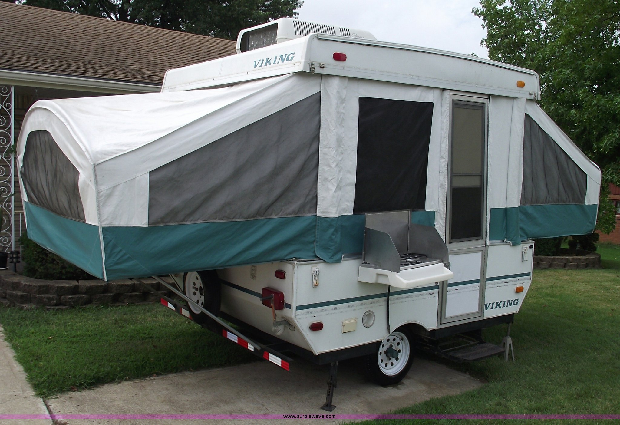 1996 Viking 1706 Pop Up Camper Item A4062 Sold